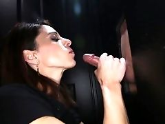 Spunk Drinking Cougar Loves The Gloryhole