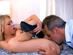 Katie Morgan Rails The Matures Dude's Dick Like A True Pro