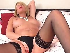 Matures Cougar Amy Plaything Joy