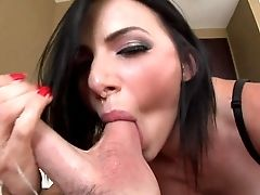 Black Haired Honey Juelz Ventura Loses Her Brassiere And Puts