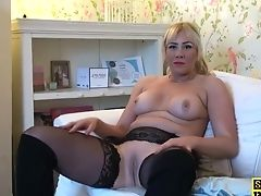 Throatfucked English Bird Frigging Herself