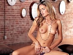 Prinzzess Is A Gorgeous Stunner. Naked Beauty Queen Wears Nothing