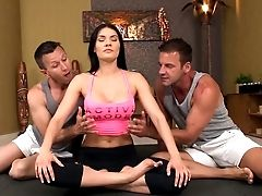 Ass-fuck Threesome With Kitana Lure